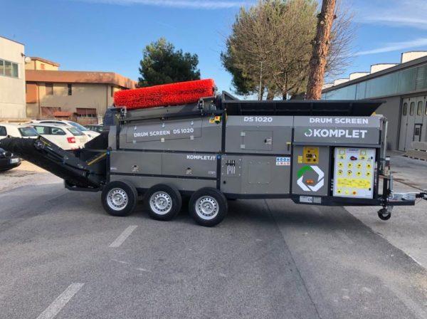 Crible Trommel sur roues KOMPLET DS 1020 - tri et recyclage terre, compost, copeaux de bois, déchets verts, déchets de construction, démolition, travaux publics, etc.