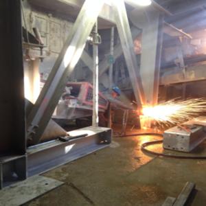 Mise en place d'un skid - Garonne Services - Opérations de maintenance et optimisation de votre installation fixe de carrière. Nous nous déplaçons rapidement sur votre chantier sur la France entière, contactez-nous !